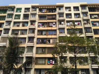 Gallery Cover Image of 585 Sq.ft 1 BHK Apartment for rent in Kandivali East for 24000