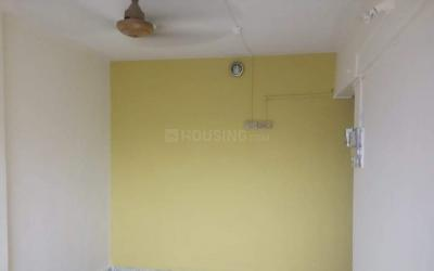 Gallery Cover Image of 550 Sq.ft 1 BHK Apartment for rent in Kalu Nagar for 8000
