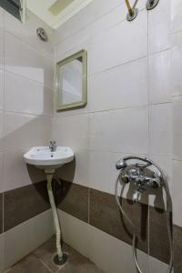 Bathroom Image of Stanzaliving Sofia House in Varthur