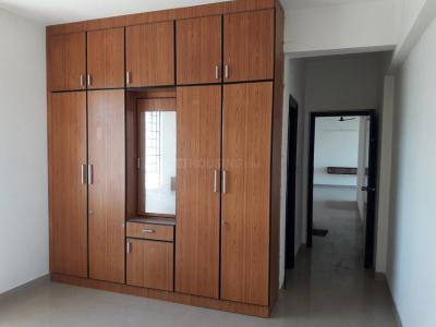 Gallery Cover Image of 1750 Sq.ft 3 BHK Apartment for rent in Pallikaranai for 23000