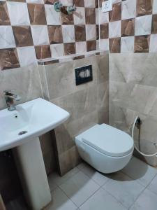 Bathroom Image of Sai Kripa PG in Sector 18