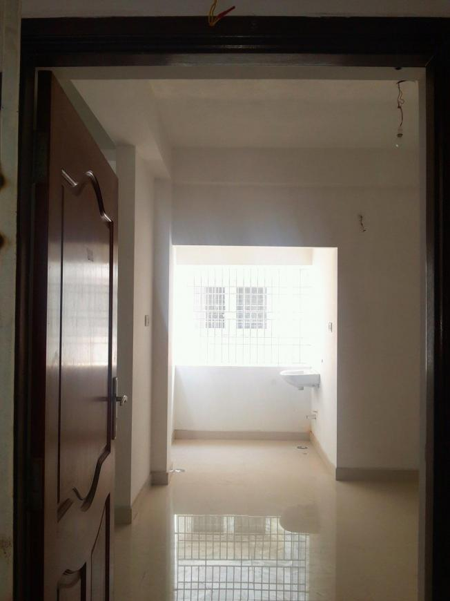 Main Entrance Image of 950 Sq.ft 2 BHK Apartment for buy in Koyambedu for 8075000