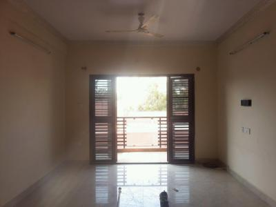 Gallery Cover Image of 1500 Sq.ft 3 BHK Apartment for rent in Kasturi Nagar for 26000