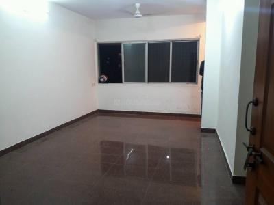 Gallery Cover Image of 1000 Sq.ft 2 BHK Apartment for rent in Khar West for 58000