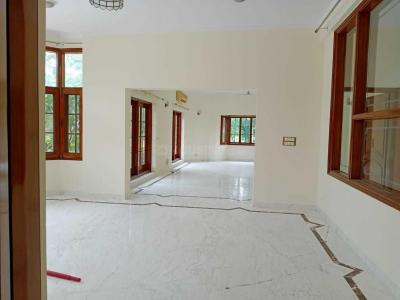 Gallery Cover Image of 8000 Sq.ft 5 BHK Villa for rent in Vasant Kunj for 550000