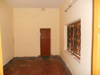 Gallery Cover Image of 500 Sq.ft 2 BHK Independent Floor for rent in Lake Gardens for 8500