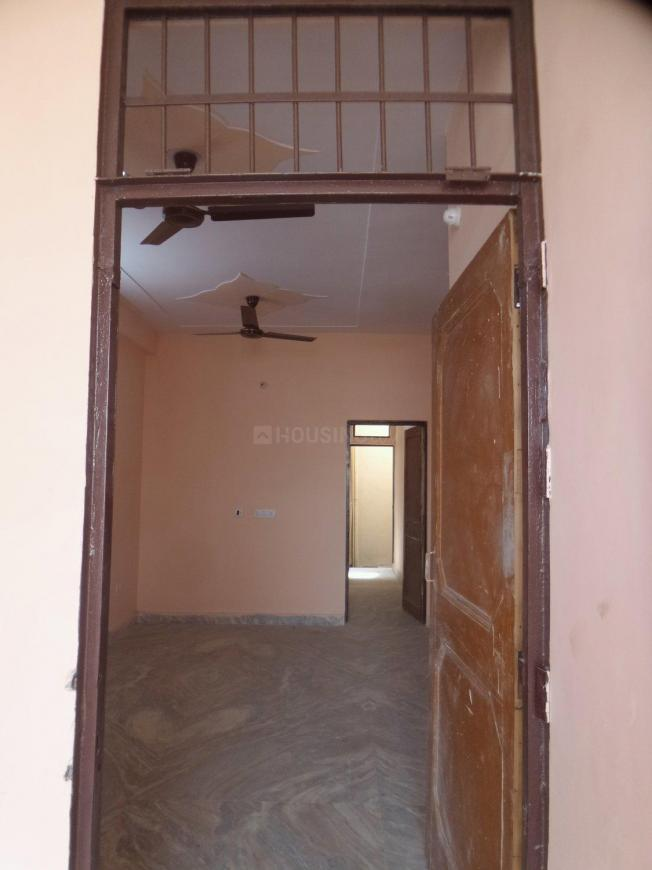 Main Entrance Image of 950 Sq.ft 2 BHK Apartment for rent in DLF Phase 1 for 22000