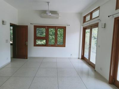 Gallery Cover Image of 5000 Sq.ft 4 BHK Independent Floor for rent in Safdarjung Development Area for 100000