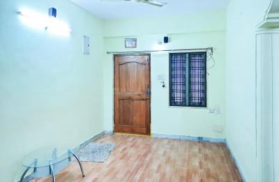 Gallery Cover Image of 1350 Sq.ft 3 BHK Apartment for rent in Pragathi Nagar for 17000