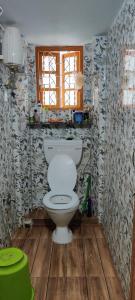 Bathroom Image of PG 6672000 Lake Town in Lake Town