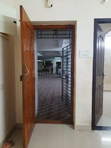 Gallery Cover Image of 800 Sq.ft 2 BHK Apartment for rent in Kodambakkam for 16000