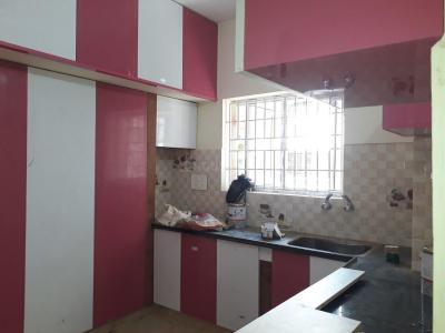 Gallery Cover Image of 1150 Sq.ft 2 BHK Apartment for rent in Kodambakkam for 24000