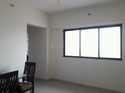 Gallery Cover Image of 640 Sq.ft 1 BHK Apartment for rent in Kandivali East for 18000