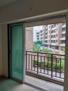 Gallery Cover Image of 1051 Sq.ft 2 BHK Apartment for rent in Vihang Hills, Thane West for 15000