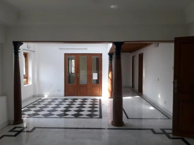 Gallery Cover Image of 2600 Sq.ft 3.5 BHK Apartment for rent in Adyar for 150000