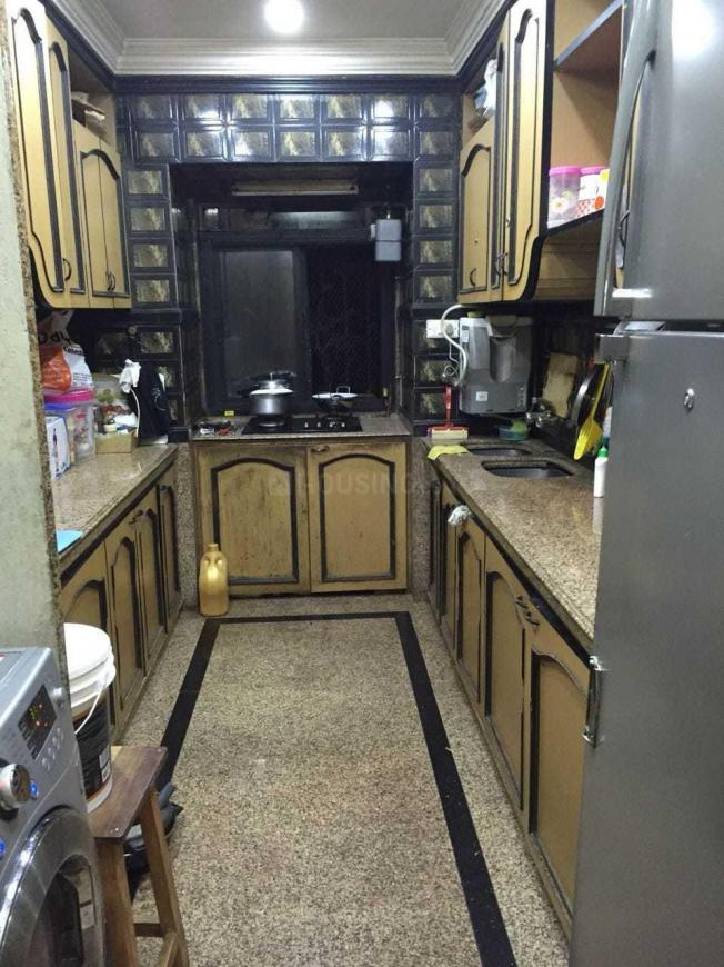 Kitchen Image of 930 Sq.ft 2 BHK Apartment for rent in Andheri West for 50000