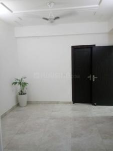 Gallery Cover Image of 1640 Sq.ft 3 BHK Apartment for buy in Shastri Nagar for 5700000
