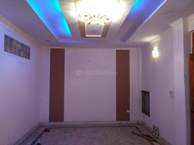 Gallery Cover Image of 1100 Sq.ft 4 BHK Apartment for rent in Uttam Nagar for 18000