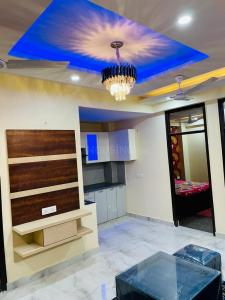 Gallery Cover Image of 1325 Sq.ft 3 BHK Apartment for buy in Pristine Homes, Noida Extension for 3399000