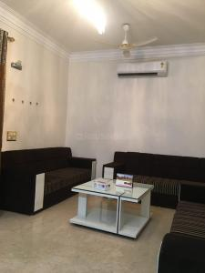 Gallery Cover Image of 1500 Sq.ft 3 BHK Independent Floor for rent in Defence Colony for 85000