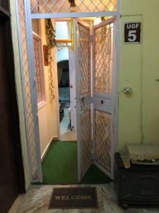 Gallery Cover Image of 800 Sq.ft 2 BHK Independent Floor for rent in Ghitorni for 13000
