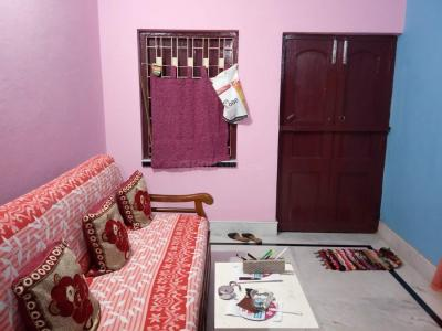 Gallery Cover Image of 900 Sq.ft 2 BHK Independent Floor for rent in North Dum Dum for 10000