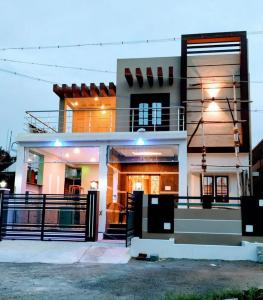 Gallery Cover Image of 1257 Sq.ft 3 BHK Villa for buy in Sanjaynagar for 8050000