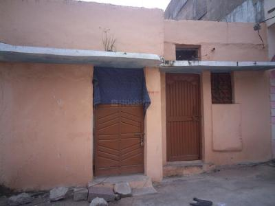 Gallery Cover Image of 600 Sq.ft 3 BHK Independent House for buy in Langar Houz for 2500000
