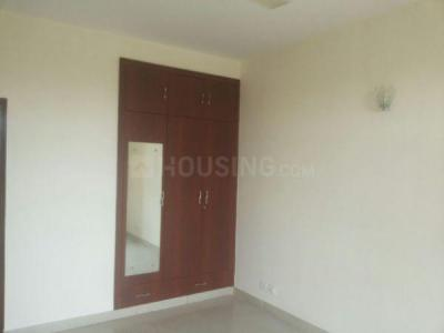 Gallery Cover Image of 1600 Sq.ft 3 BHK Apartment for buy in Omaxe Grand Woods, Sector 93B for 9900000