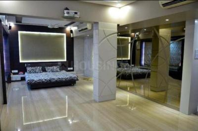 Gallery Cover Image of 950 Sq.ft 2 BHK Apartment for rent in Palatial Apartment, Khar West for 150000
