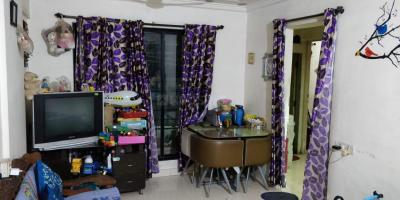 Gallery Cover Image of 500 Sq.ft 1 BHK Apartment for rent in Divya Stuti CHS, Goregaon East for 26000