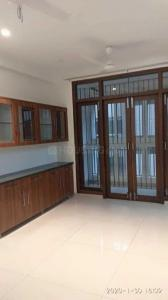 Gallery Cover Image of 1700 Sq.ft 3 BHK Apartment for rent in T Nagar for 50000