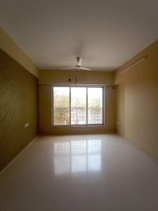 Gallery Cover Image of 750 Sq.ft 2 BHK Apartment for rent in Romell Empress C Wing, Borivali West for 35000