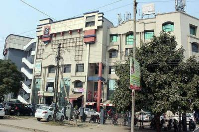 Gallery Cover Image of 1800 Sq.ft 2 BHK Independent Floor for buy in Sector 32 for 5000000