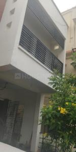 Gallery Cover Image of 1100 Sq.ft 3 BHK Independent Floor for rent in Sholinganallur for 18000