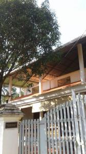 Gallery Cover Image of 1310 Sq.ft 3 BHK Villa for buy in Nellikunnu for 8000000