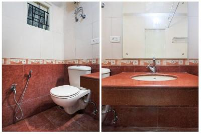 Common Bathroom Image of Oyo Life Chn1190 Mylapore in Mylapore