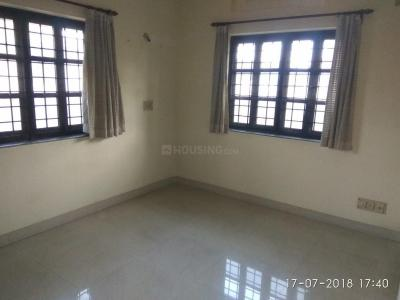Gallery Cover Image of 1150 Sq.ft 3 BHK Apartment for rent in Dunlop for 12000