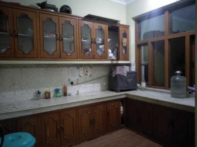 बेस्ट पीजी इन सेक्टर 39 के किचन की तस्वीर