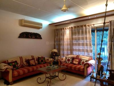 Gallery Cover Image of 1500 Sq.ft 3 BHK Apartment for buy in Kandivali West for 26500000