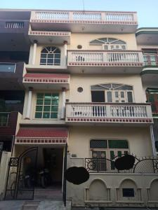 Gallery Cover Image of 2250 Sq.ft 5 BHK Independent House for buy in Alpha I Greater Noida for 9500000