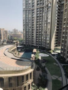Gallery Cover Image of 1800 Sq.ft 3 BHK Apartment for buy in Andheri West for 44000000