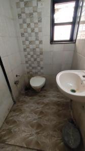 Bathroom Image of Aarav PG Service in Bodakdev