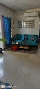 Gallery Cover Image of 750 Sq.ft 2 BHK Apartment for rent in Santacruz West for 80000
