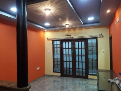 Gallery Cover Image of 1300 Sq.ft 3 BHK Apartment for rent in Velachery for 35000