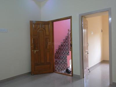 Gallery Cover Image of 350 Sq.ft 1 RK Independent Floor for rent in Ekkatuthangal for 7500