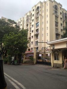 Gallery Cover Image of 1002 Sq.ft 2 BHK Apartment for rent in Kandivali East for 30000