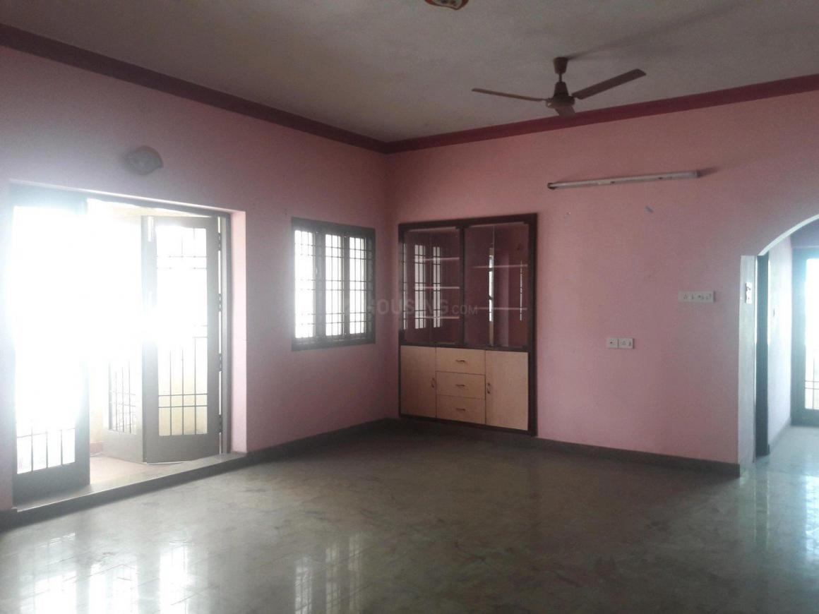 Living Room Image of 1800 Sq.ft 3 BHK Apartment for rent in Iyyappanthangal for 20000