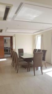 Gallery Cover Image of 4500 Sq.ft 4 BHK Apartment for rent in Captain Villa Apartments, Bandra West for 600000