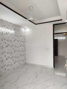 Gallery Cover Image of 850 Sq.ft 2 BHK Apartment for buy in Sector 105 for 2800000